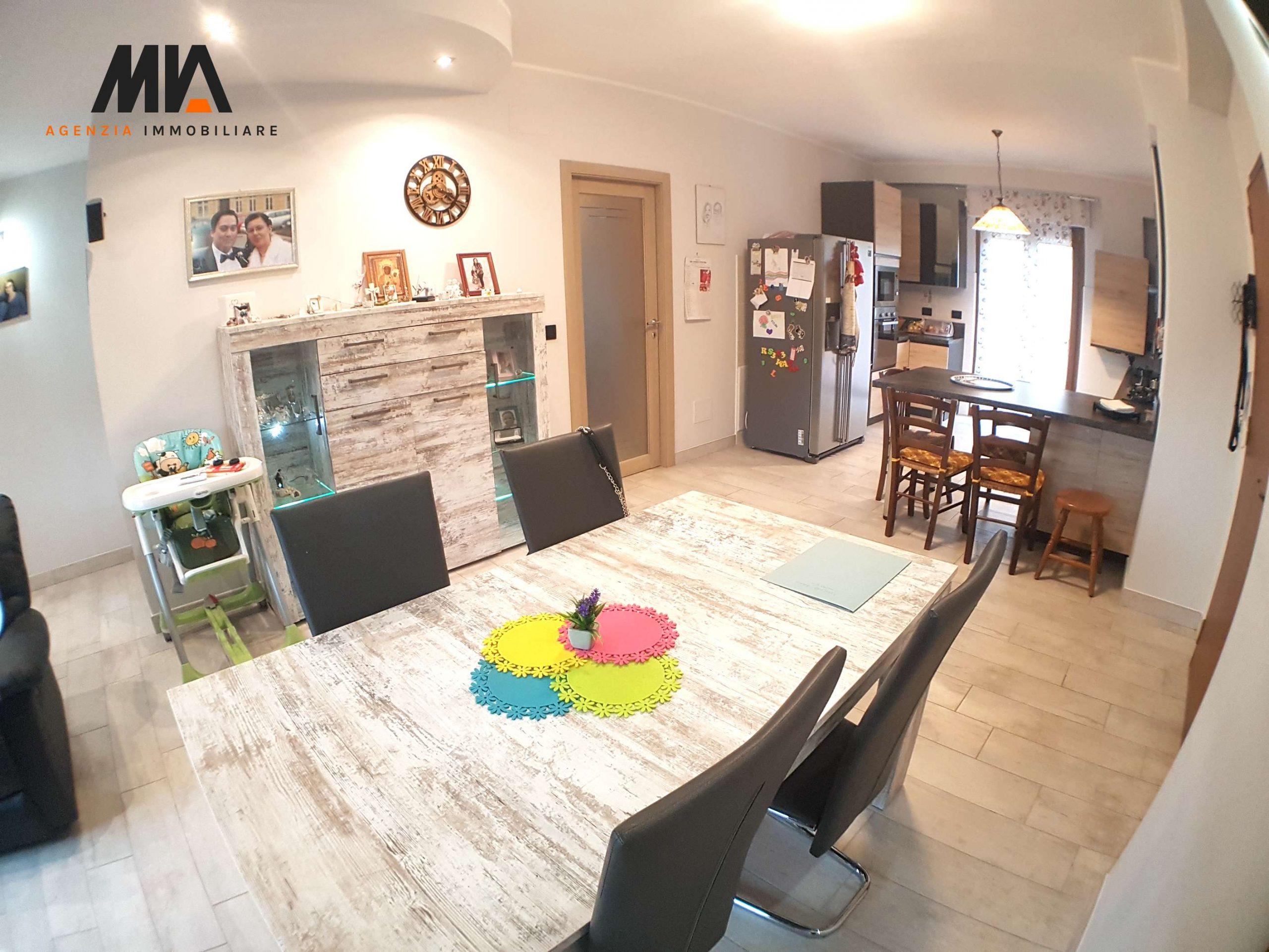 AFFITTO: Superlativo Appartamento con Mobilio ed Ottime Rifiniture