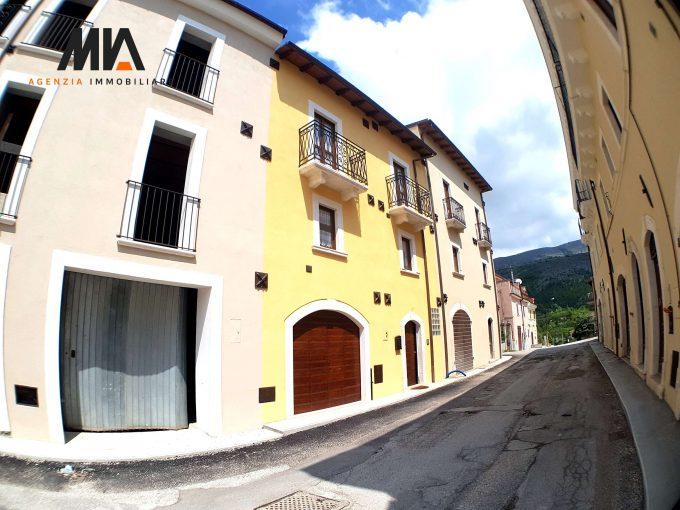 VENDITA:  Cielo-Terra Storico Totalmente Ristrutturato Castelnuovo