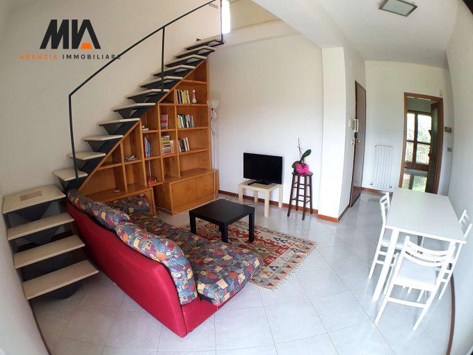 AFFITTO: Appartamento su Due Livelli con Vista Panoramica