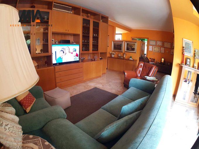 VENDITA/PERMUTA: Appartamento ampio e ben servito Viale Croce Rossa