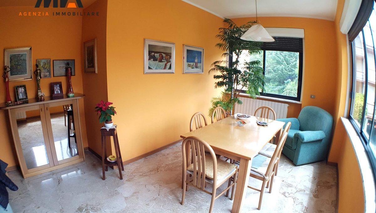 Vendita permuta appartamento ampio e ben servito viale for Arredamento agenzia immobiliare