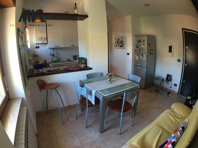 AFFITTO: Grazioso Appartamento Mansardato Santa Barbara