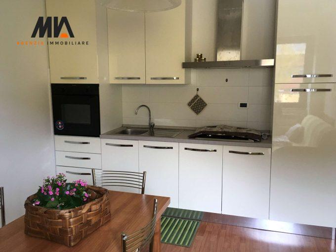 AFFITTO: Stanza Singola in Casa Indipendente Pianola