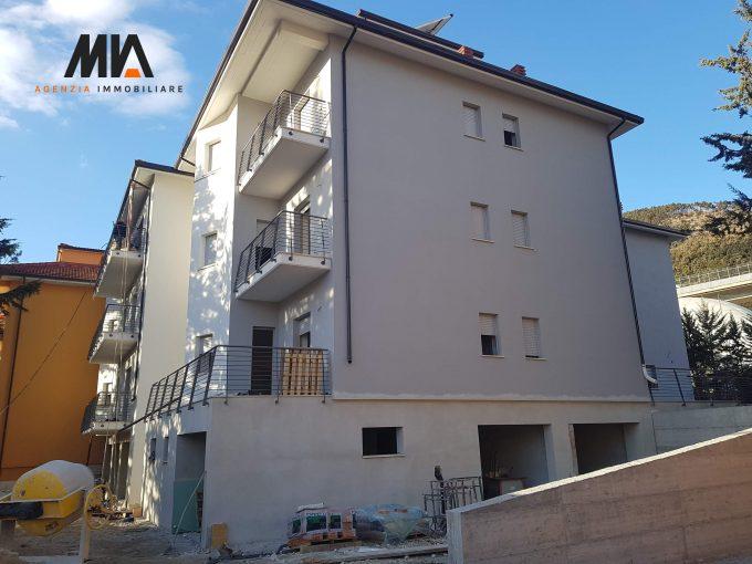 VENDITA: Ampio Appartamento con Terrazzo Abbattuto e Ricostruito