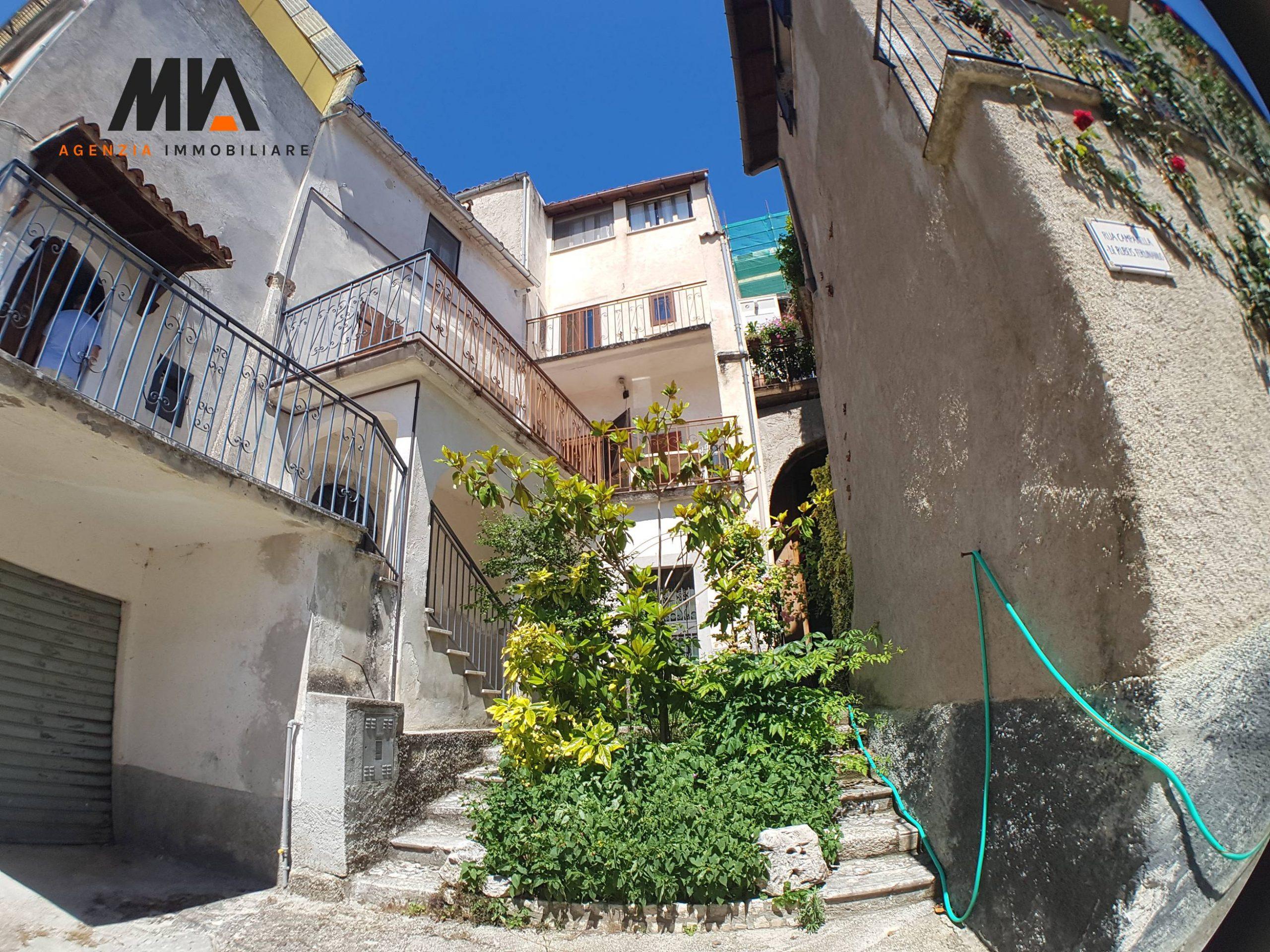 VENDITA: Caratteristico appartamento centro storico Caporciano