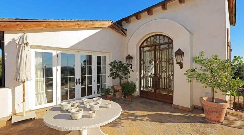 eva-longoria-lists-hollywood-hills-compound-14m-e