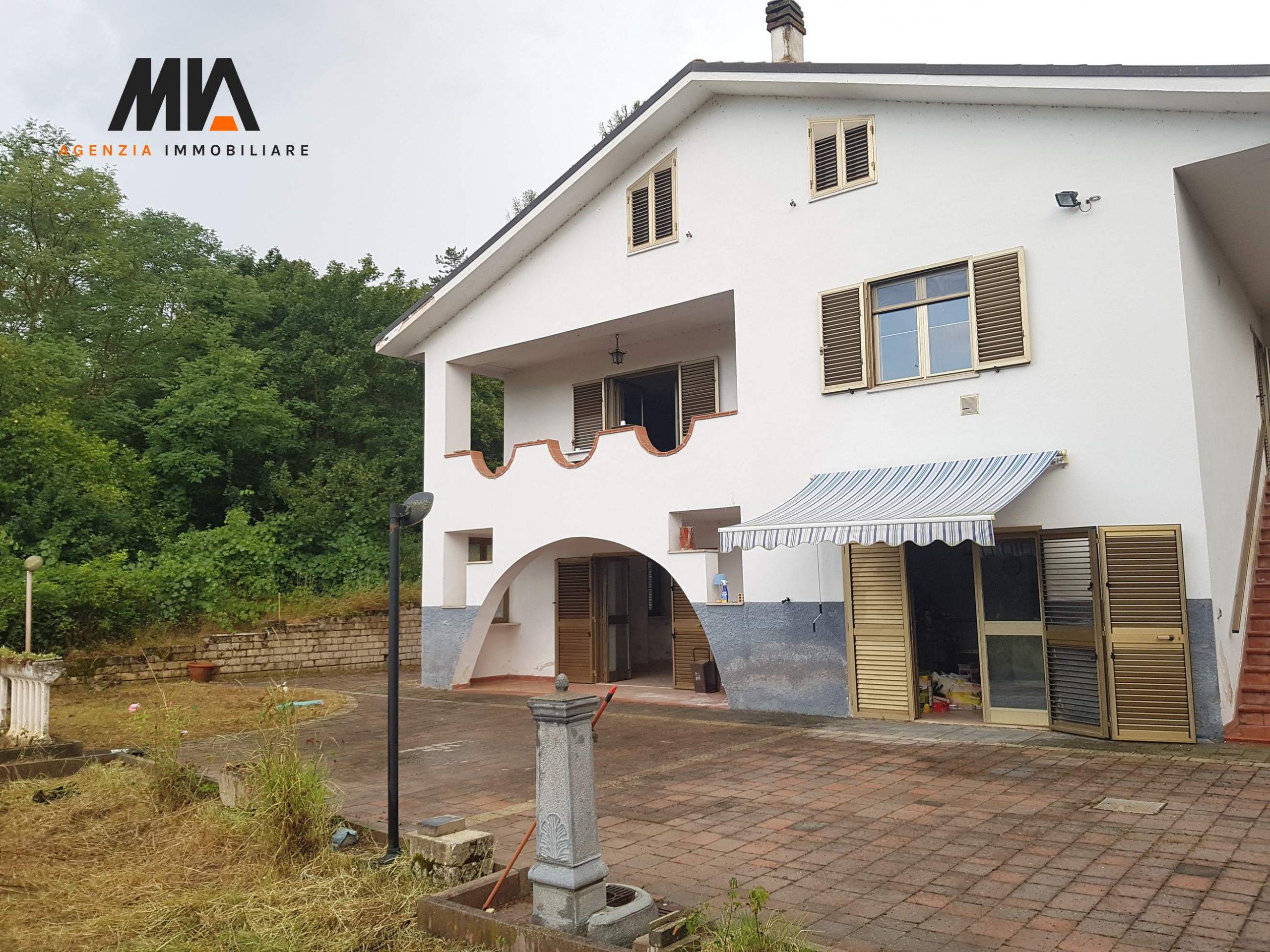 VENDITA: Villa indipendente con Giardino Villa S.Angelo