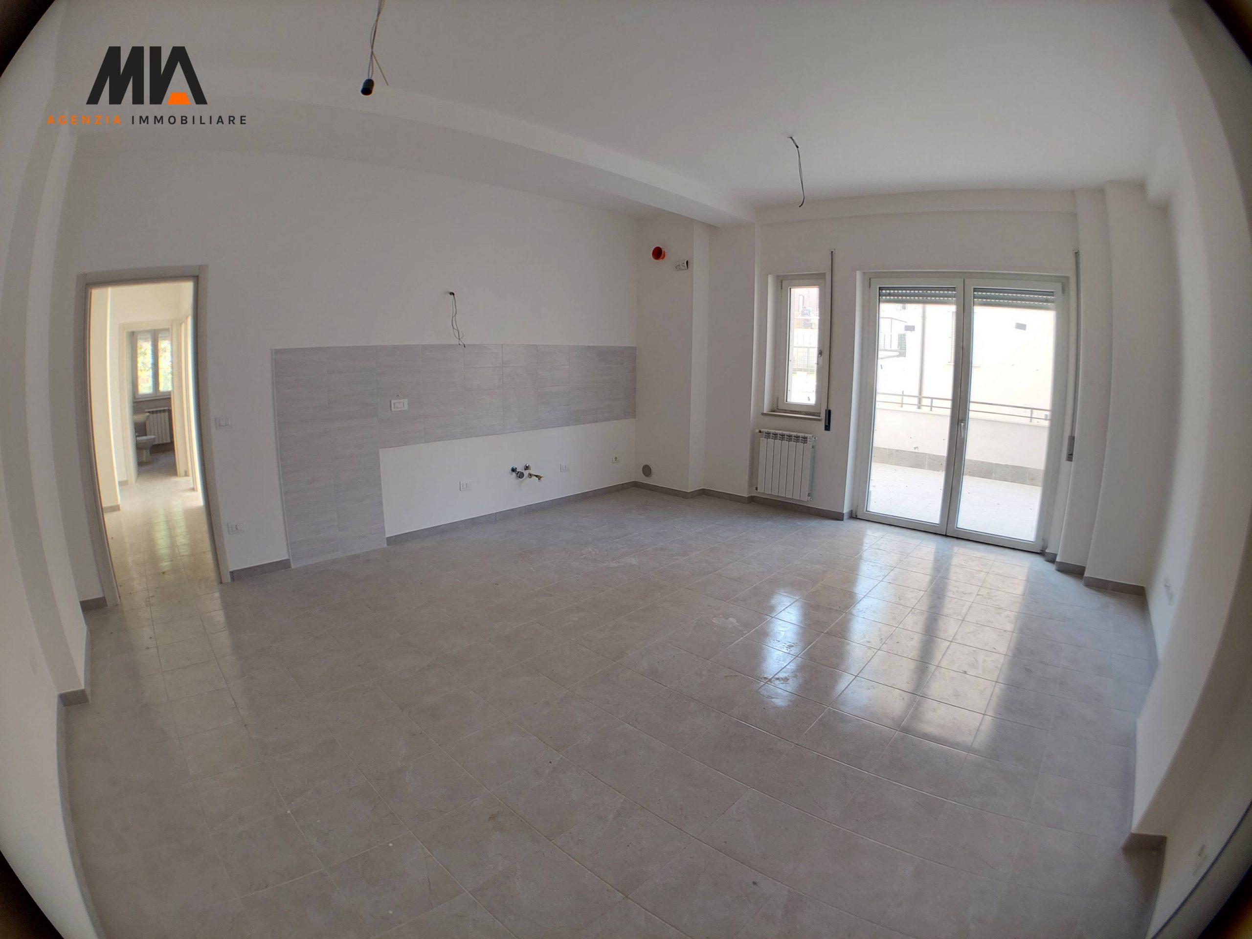 VENDITA: Appartamento con terrazzino Abbattuto e Ricostruito pressi Tribunale